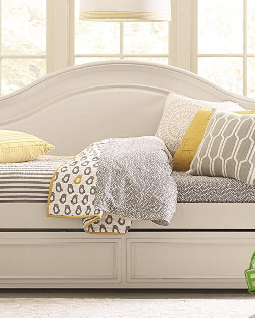 """Кровать из массива натурального дерева """"Луанж"""""""