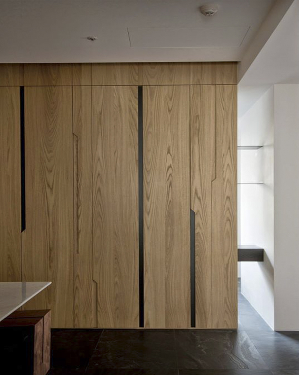 Шкафы из массива натурального дерева