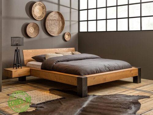Кровать из массива натурального дерева Филл